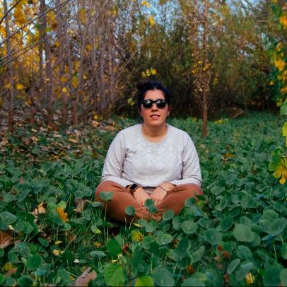 Nací en la ciudad de Villa Mercedes, San Luis. Curse la carrera de Turismo en la Universidad del Comahue. Luego me fui a vivir a Buenos Aires donde curse Producción de moda y Diseño de indumentaria. A mi regreso a la ciudad de Neuquén comencé a trabajar en Casa de la Costa Catering & Eventos. Con ellos di mis primeros pasos en la organización y coordinación de eventos Durante esos años para Casa de la Costa lleve a cabo muchos eventos entre sociales y empresariales que hoy me dan la experiencia que necesito paracontinuar con este proyecto personal. Apasionada y autodidacta del diseño en general, M|L me permite proyectar, diseñar y aplicar mi creatividad de acuerdo a la necesidad del evento. M|L Diseño yPlanificación de eventos es para mi es el comienzo de un largo y prometedor camino de aprendizaje por venir.